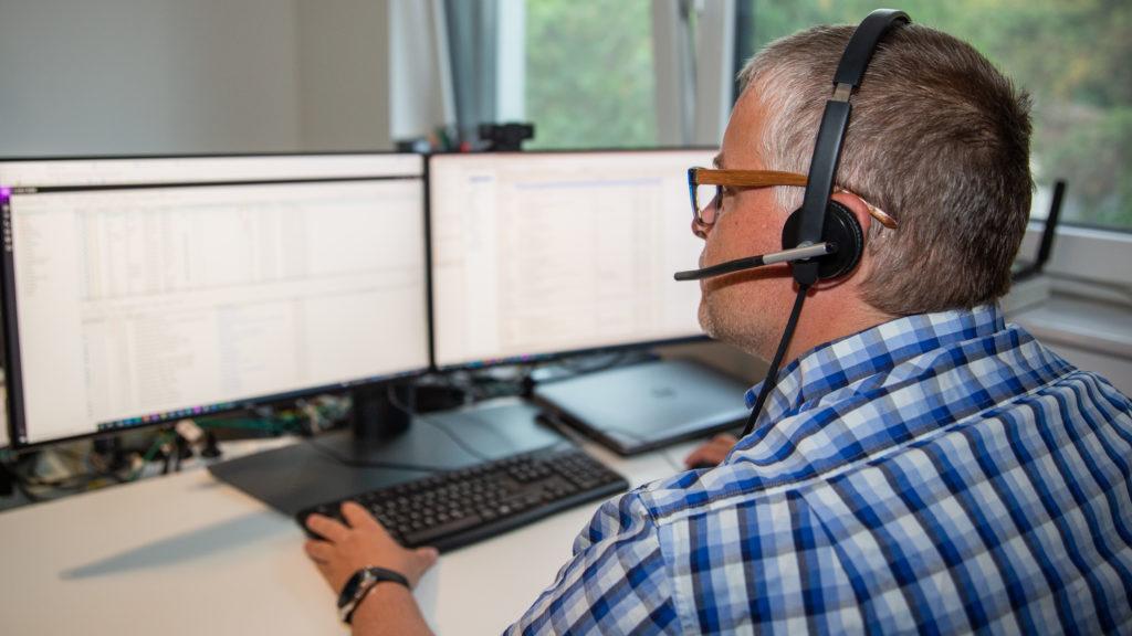 Michael Martikan leistet Support per Fernwartung und Telefon
